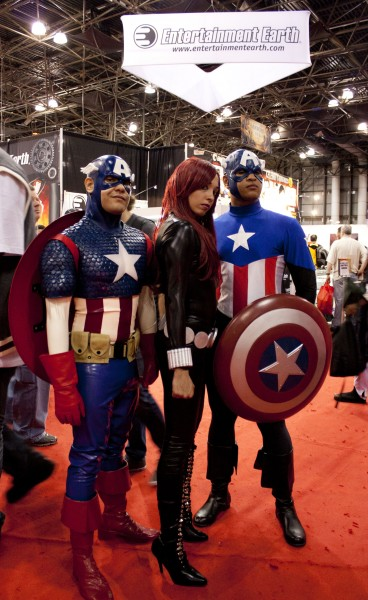 2011 NYCC Captain America 368x600 2011 NYCC Sunday Photos