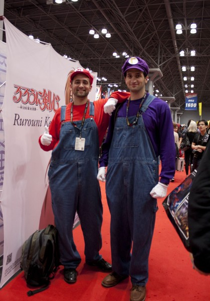 2011 NYCC Cosplay Mario 419x600 2011 NYCC Sunday Photos