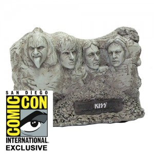 2012 SDCC Exclusive KISS Statue 300x300 2012 SDCC Exclusive KISS Mt KISSmore Statue
