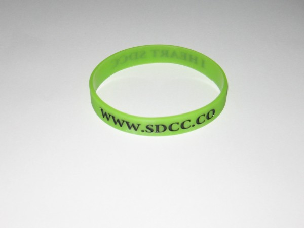 2012 SDCC GID Wristband 1 600x450 Love Comic Con? Get your SDCC Wristband NOW!