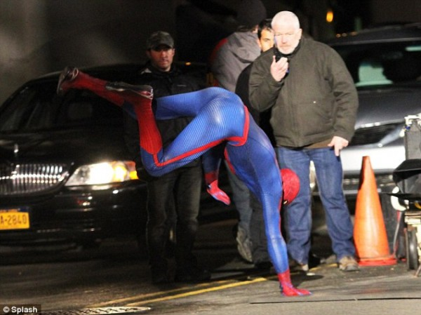 Amazing Spider Man 2 Set Stunt 600x449 Amazing Spider Man 2 First Set Photos